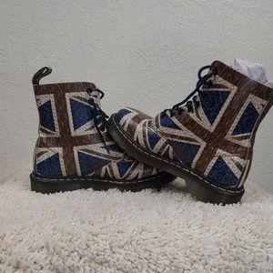 Dr. Martens Pascal Union Jack Boots